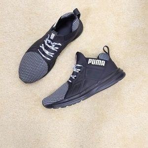 Puma men's black sneakers